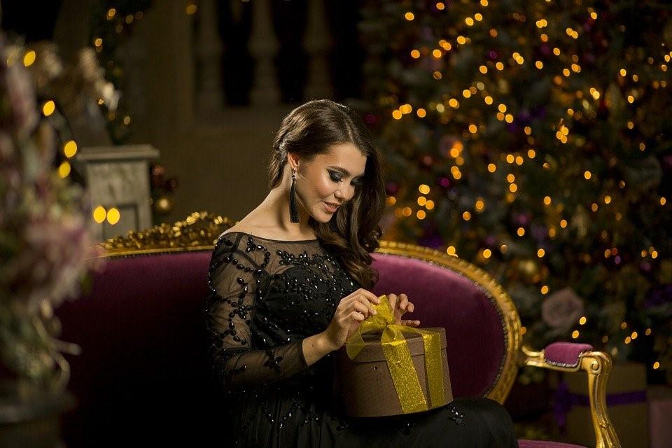 Ήρθαν τα Χριστούγεννα!!! | Πως θα στολίσουν τα ζώδια το χριστουγεννιάτικο δέντρο;