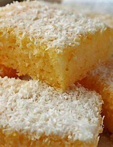 Κέικ καρύδας μαλακό σαν βαμβάκι !