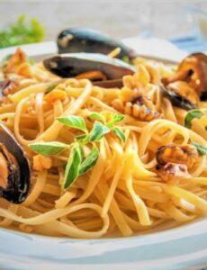 Λιγκουίνι με μύδια, μια καλοκαιρινή συνταγή από την Δήμητρα Παπανδρέου !